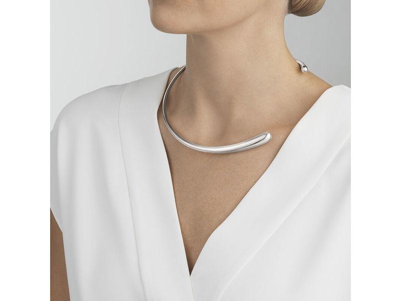 OnModel__10015600-MERCY-neckring-silver